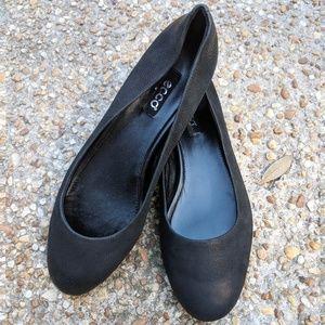 Ecco Black Flats